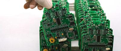 Bild på kretskort med komponenter